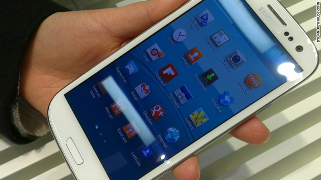 The Samsung Galaxy S, unveiled Thursday in London, has a huge 4.8-inch display screen