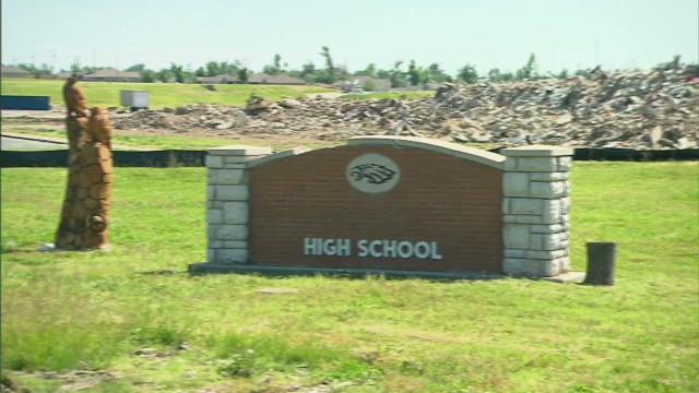 Students remember Joplin one year later