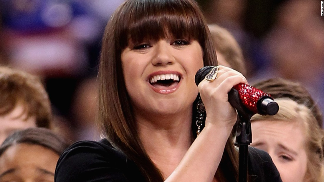 The Moment Kelly Clarkson Became First Winner Of QuotAmerican Idolquot