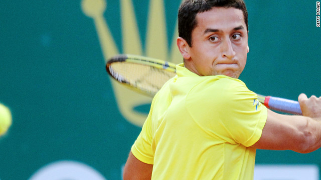 Nicolas Almagro hit top form in the Nice final to end the challenge of American Brian Baker.