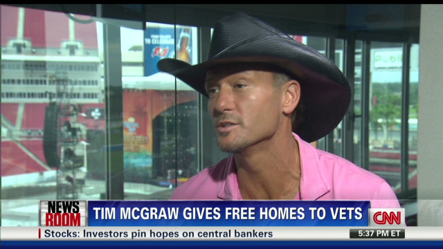 Tim McGraw to give free homes to vets