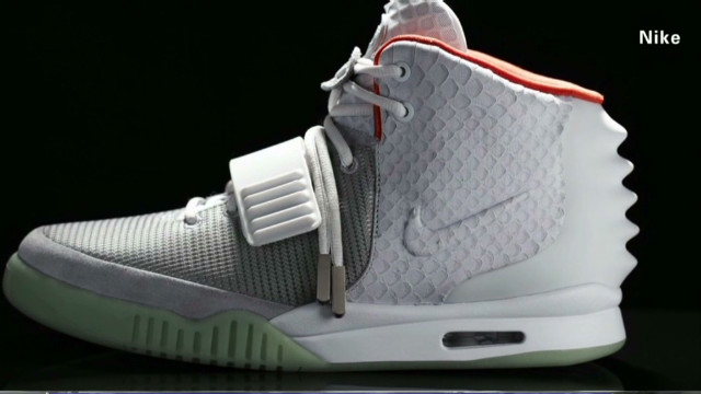 erin air yeezy two_00002409