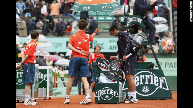Nadal-Djokovic French Open final delayed