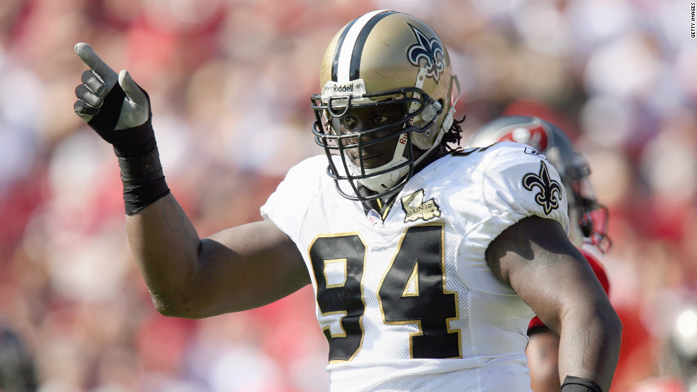 Former New Orleans Saints defensive lineman Charles Grant tested positive for banned substances in 2008 and was suspended for the rest of the season.