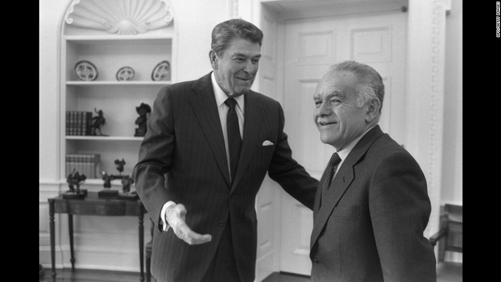 U.S. President Ronald Reagan and Shamir meet in the White House on February 18, 1987.