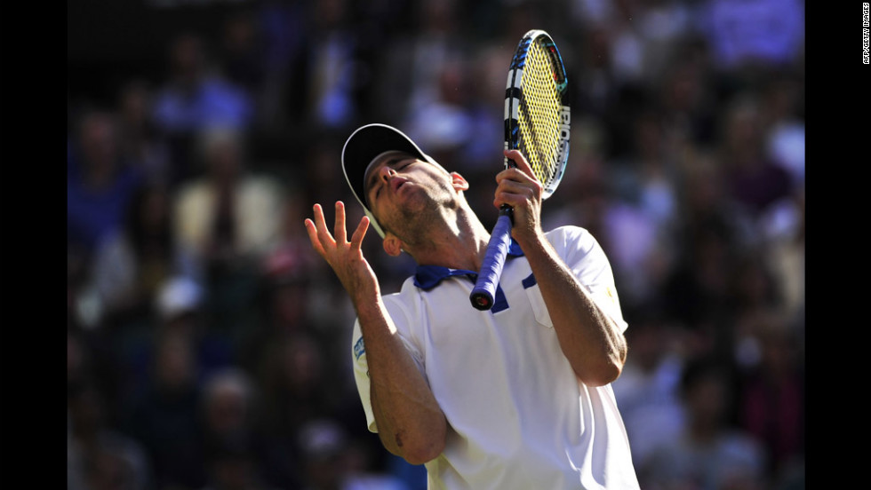 American Andy Roddick shows his frustration during his third-round men's singles match against Spain's David Ferrer on Saturday.