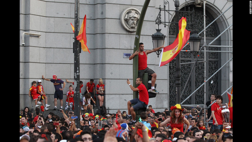 Spain fans gather in Madrid to congratulate their team on Monday.