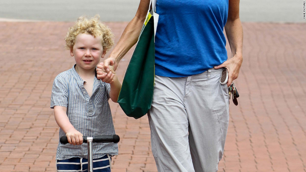 Minnie Driver and her son go shopping in Malibu.