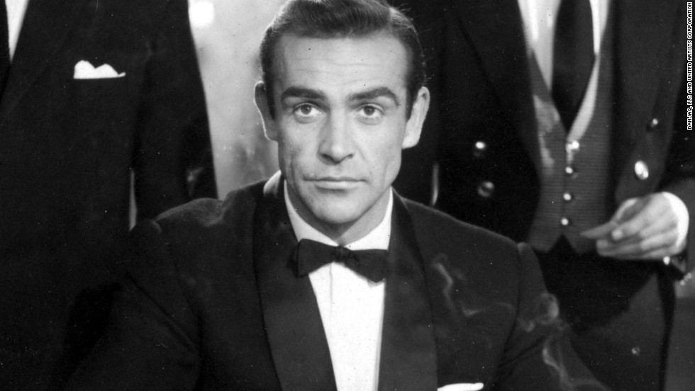 "Scottish actor Sean Connery played James Bond in the first film ""박사. 아인용amp;quot; 에 1962."