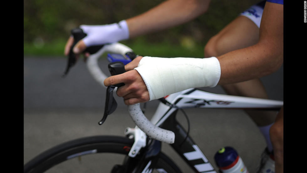 Anthony Delaplace of France, who has an injured wrist, retired from the race Saturday.