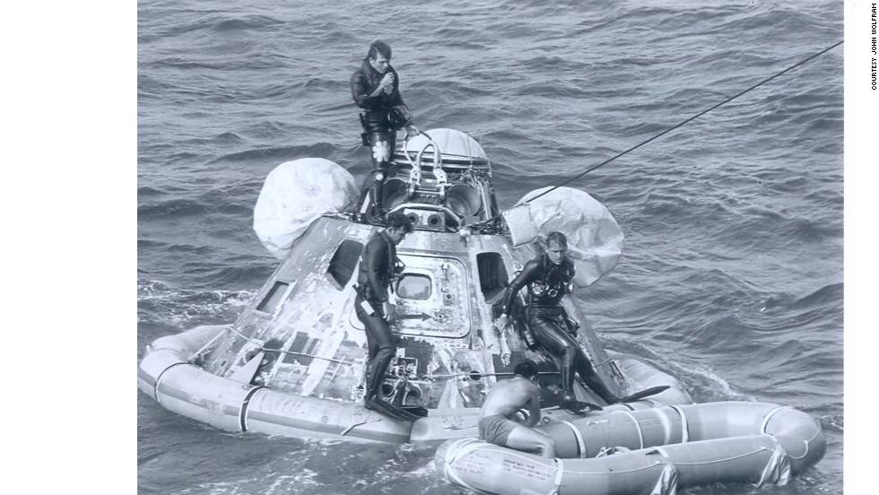 Space legend Neil Armstrong dies - CNN