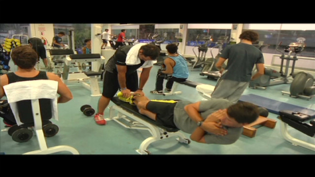 cnnee vive el golf gym training_00003424