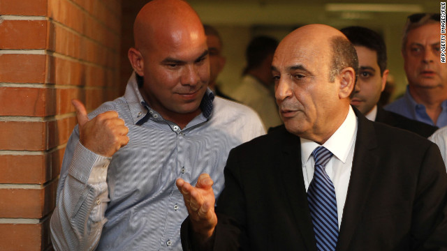 Chairman Shaul Mofaz, right, announced Tuesday that his Kadima party would withdray from Benjamin Netanyahu's coalition.