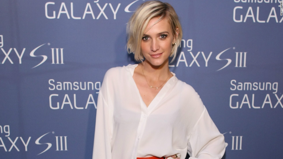 Host Ashlee Simpson looks sharp at the Samsung Galaxy S III event on July 19.