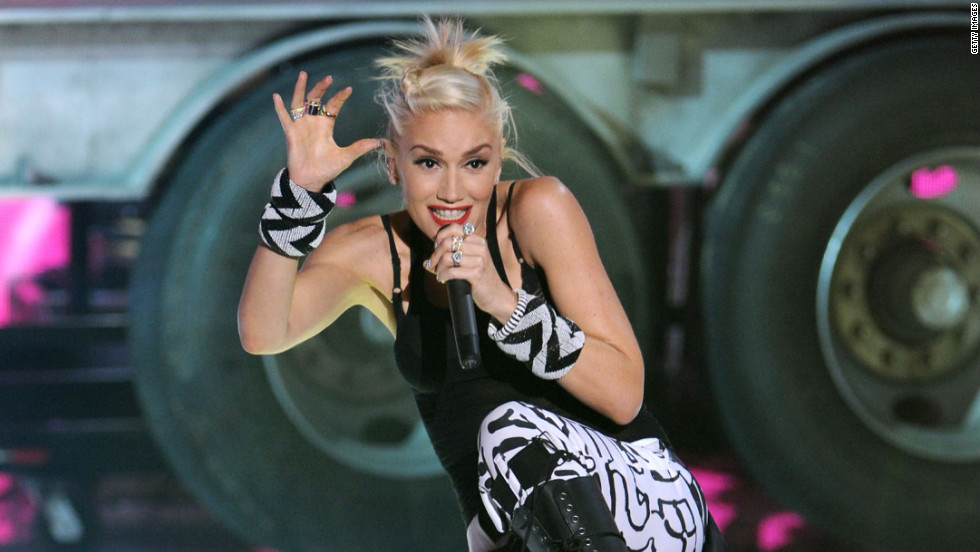 No Doubt's Gwen Stefani performs during Sunday's Teen Choice Awards.