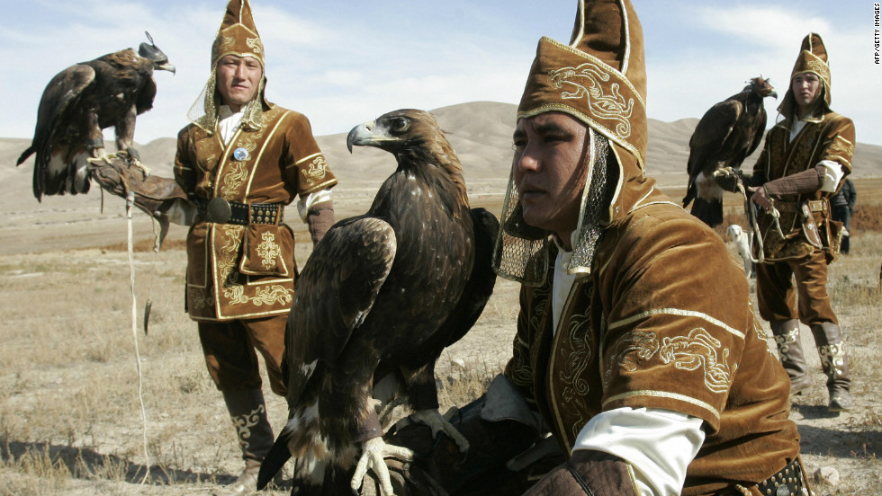 While many Kazakh golden eagle hunters keep the tradition alive through shows for tourists, a handful use the animals to hunt for real.