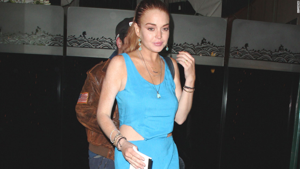 Lindsay Lohan grabs a bite to eat in Beverly Hills.
