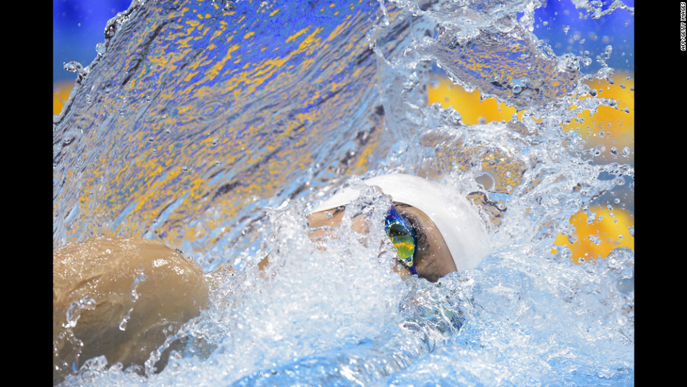 China's Sun Yang won gold in the men's 400-meter freestyle final.