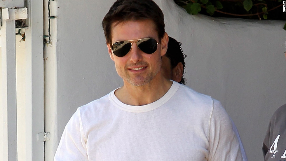 Tom Cruise exits a restaurant in Malibu, California on July 28, 2012.