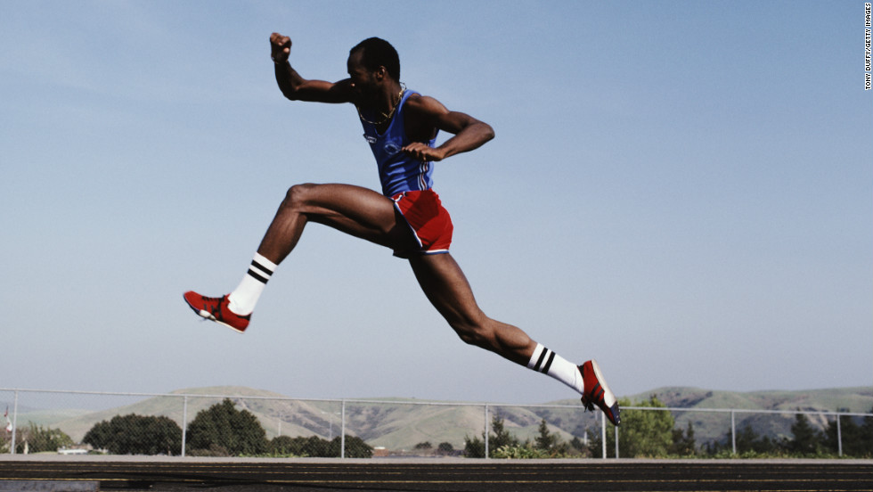 Olympic hurdler Edwin Moses says he applied information from other disciplines -- including physics and ballet -- to perfect his technique.