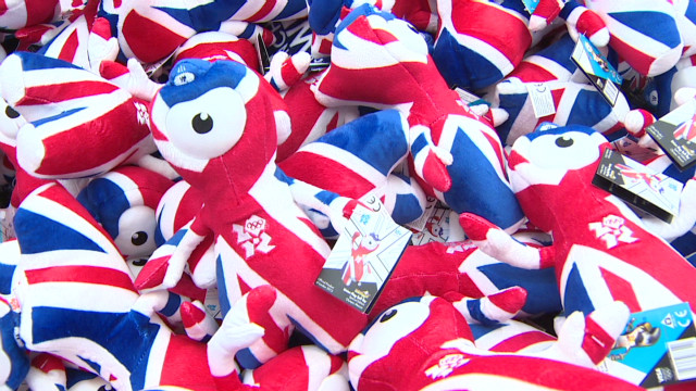 Souvenir shops pop up across London