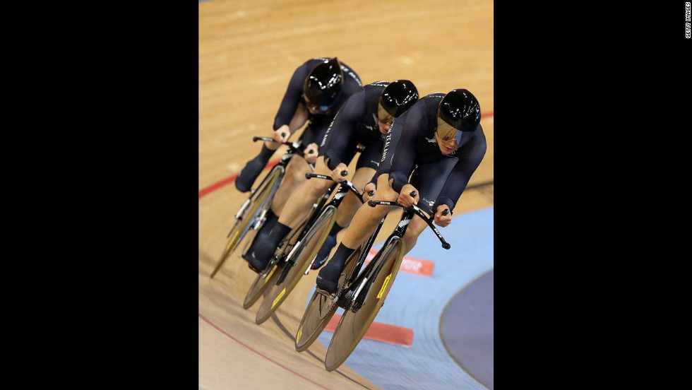 Jaime Nielsen, Alison Shanks and Lauren Ellis of New Zealand in action during the women's team pursuit track cycling first round heat against Belarus.