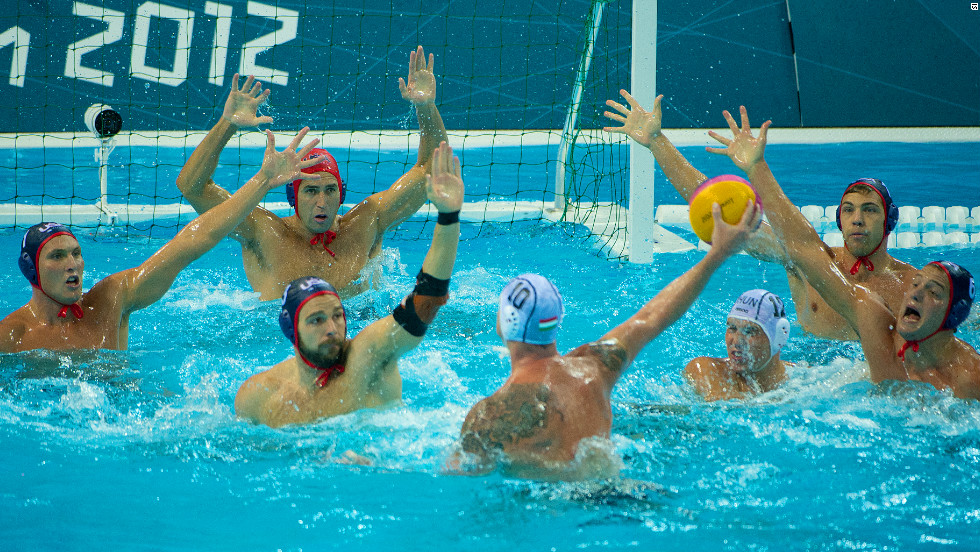 The U.S. go down 11-6 against Hungary in the men's water polo preliminary stage.