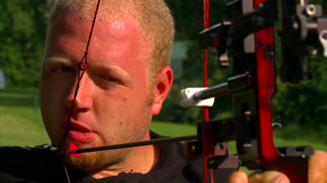 Armless archer aims for gold