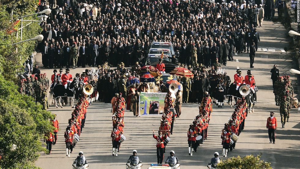 Hundreds of mourners followed the coffin through the Ethiopian capital.