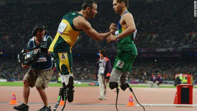 Beaten Pistorius apologizes for comments