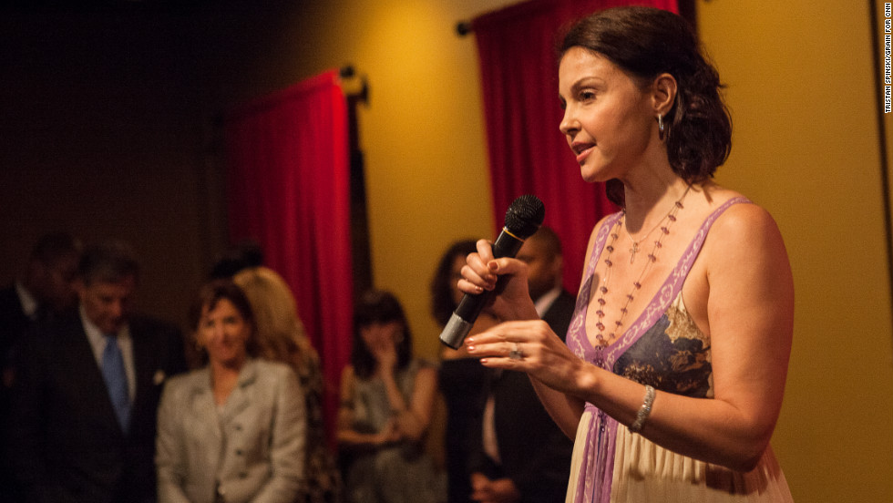 Actress Ashley Judd addresses the crowd at the Planned Parenthood party.