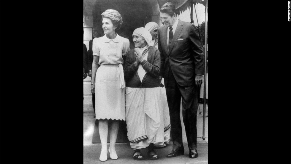President Ronald Reagan and his wife, Nancy, bid farewell to the Mother Teresa at the White House on May 6, 1981.