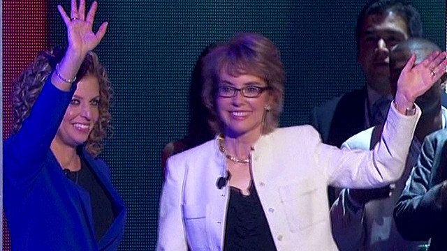 Watch Gabby Giffords lead Pledge at DNC