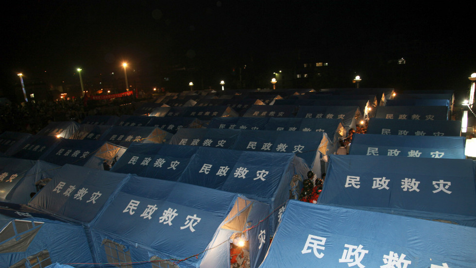 Aid workers tend to victims at facilities set up in Yiliang after pair of quakes hit on the border of southwestern Yunnan and Guizhou provinces.