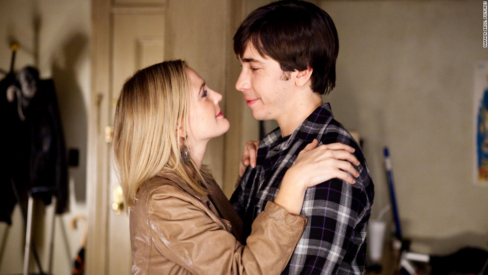 "Drew Barrymore and Justin Long began their on-and-off relationship after meeting on the set of 2007's ""He's Just Not That Into You."" They co-starred again in 2010's ""Going the Distance."" Barrymore went on to <a href=""http://marquee.blogs.cnn.com/2012/06/08/drew-barrymore-opens-up-on-perfect-wedding/"" target=""_blank"">marry Will Kopelman </a>in 2012, with whom she has two kids."