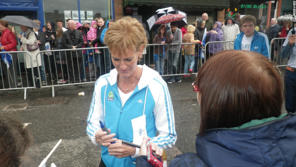 Murray's mother Judy was also present to greet the crowds. Judy is a tennis coach and Britain's Fed Cup captain.