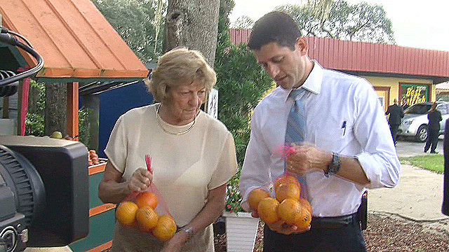 Paul Ryan with mom at fruit stand _00002226