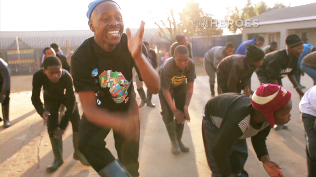 Top 10 CNN Hero: Thulani Madondo