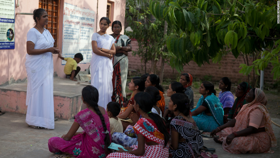 Sister Shaikh gives advice to pregnant women on nutrition in India's western state of Maharashtra -- a region where many children suffer from malnutrition.