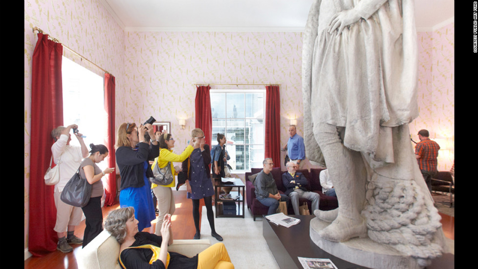 An exhibit pass lets visitors observe the statue for 30 minutes.