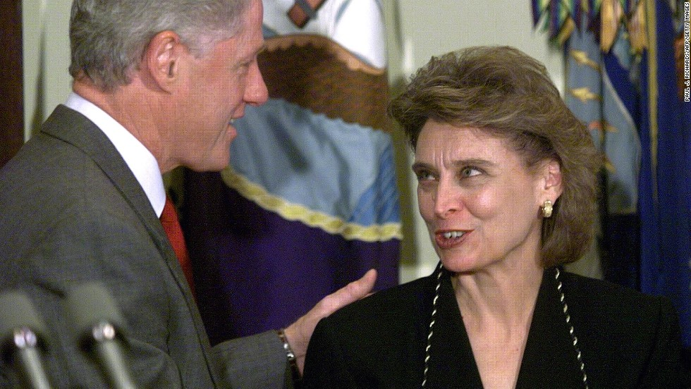 Democrat Christine Gregoire defeated Republican Dino Rossi in the 2004 Washington gubernatorial election following a machine recount as well as a manual recount. Pictured, Gregoire appears with President Bill Clinton in 1998.
