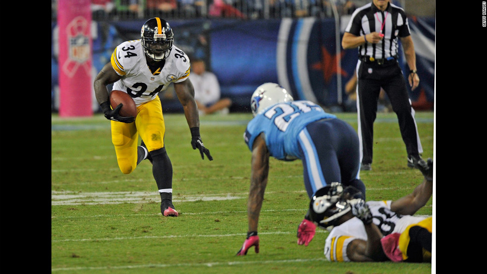 Steelers running back Rashard Mendenhall rushes against the Tennessee Titans.
