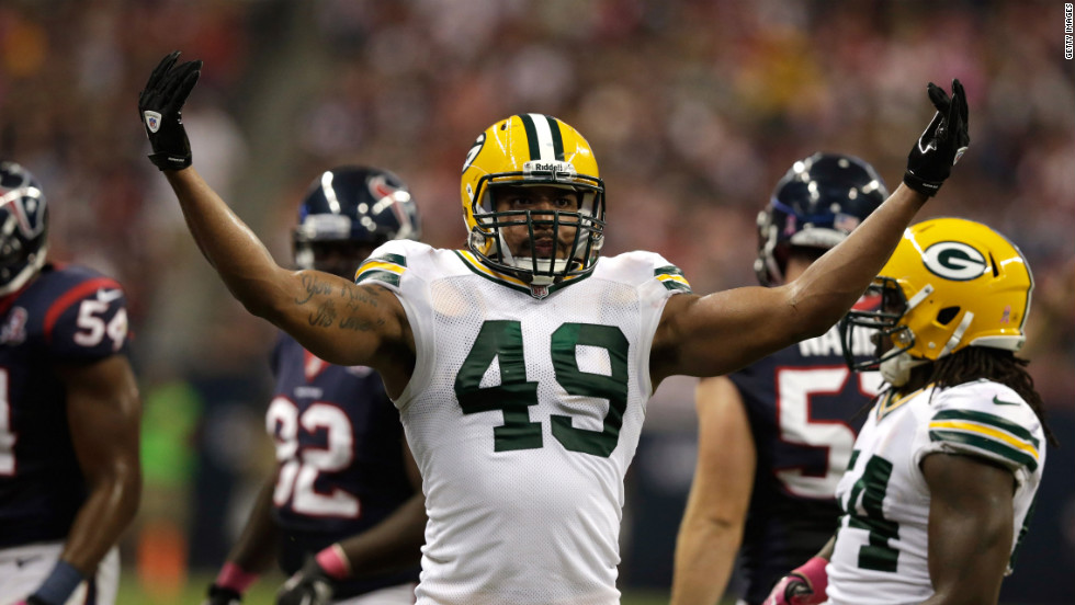 Rob Francois of the Packers gestures after a play in the first quarter.