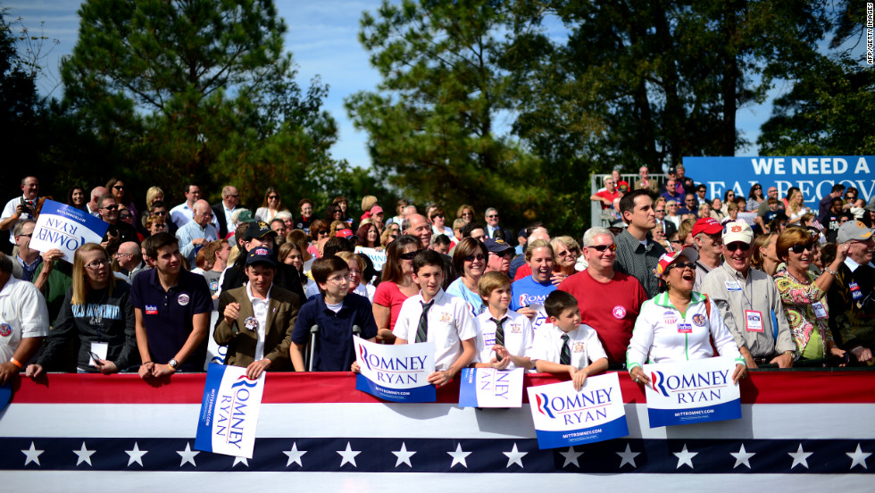Supporters of Mitt Romney attend a campaign rally in Chesapeake, Virginia, on Wednesday, October 17.