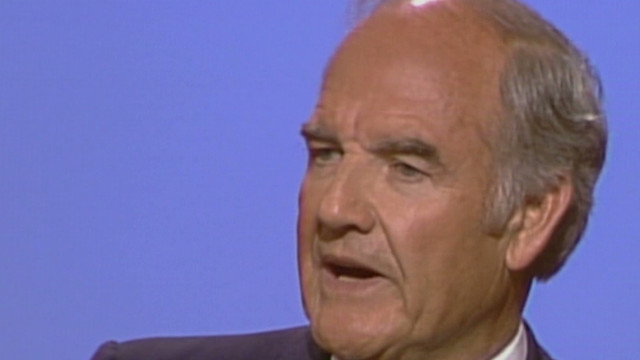 George McGovern speaks at the 1984 Democratic National Convention