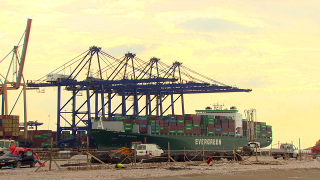 Chinese business thrives in Greek port
