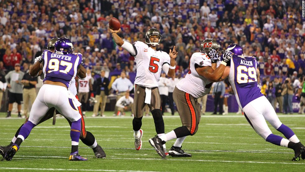 Josh Freeman of the Tampa Bay Buccaneers throws a pass during Thursday's game.