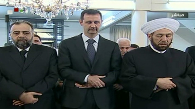 Assad performs Eid prayers