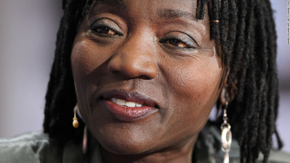 "Auma Obama and the president, her half-brother, didn't meet until they were<a href=""http://edition.cnn.com/TRANSCRIPTS/0907/18/acd.01.html"" target=""_blank""> in their 20s</a>. Their initial meeting features in her memoir ""And then Life Happens,"" and tells of her visit to Chicago after receiving a letter from her half-brother in the wake of their father's death. She told CNN that her stay with the man who would become president was ""<a href=""http://edition.cnn.com/TRANSCRIPTS/0907/18/acd.01.html"" target=""_blank"">like having a Christmas that doesn't finish</a>."" She studied film in <a href=""http://edition.cnn.com/2012/11/05/world/africa/auma-obama-film/"" target=""_blank"">Berlin in the early 1990s</a> and spent 16 years as a journalist and broadcaster.<br /><br /><a href=""/2015/07/22/politics/obama-family-kenya-brooke-baldwin/index.html"" target=""_blank"">Read more: Obama's sister: 'My brother has carried our name up there'</a>"