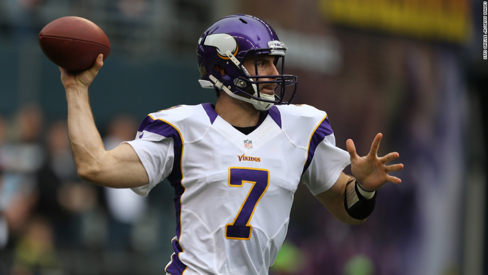 Quarterback Christian Ponder of the Vikings passes against the Seahawks on Sunday.
